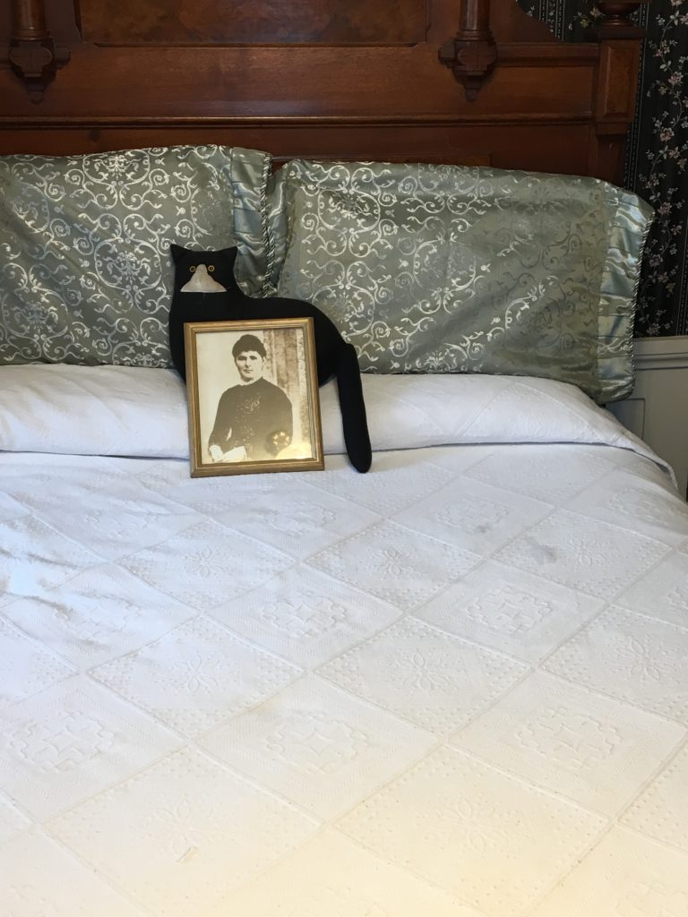 The maid's bed