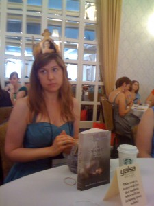 Maureen Johnson & her crown
